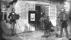 William Henry Fox Talbot et Nicolaas Henneman en 1846, au Reading establishment